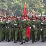 Bình Dương: Hai chiến sĩ Công an quật ngã băng nhóm cướp taxi - Ảnh 1